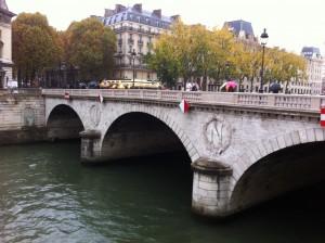 Eine der Brücken über die Seine